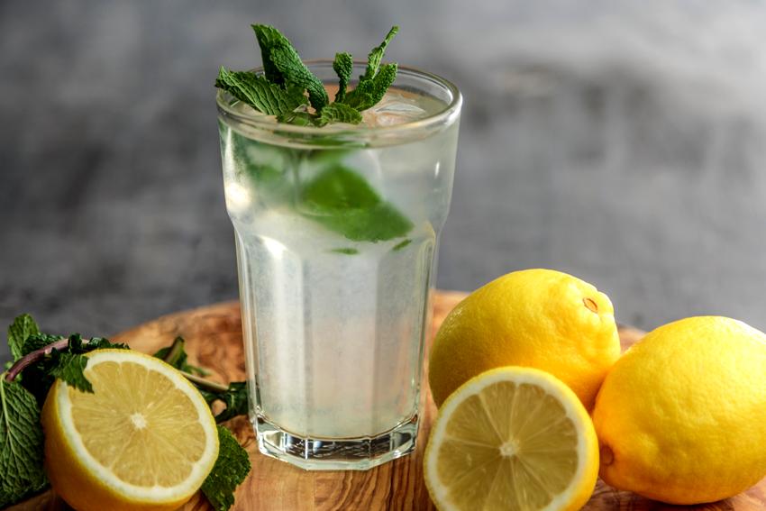 6 Gründe für Zitronenwasser
